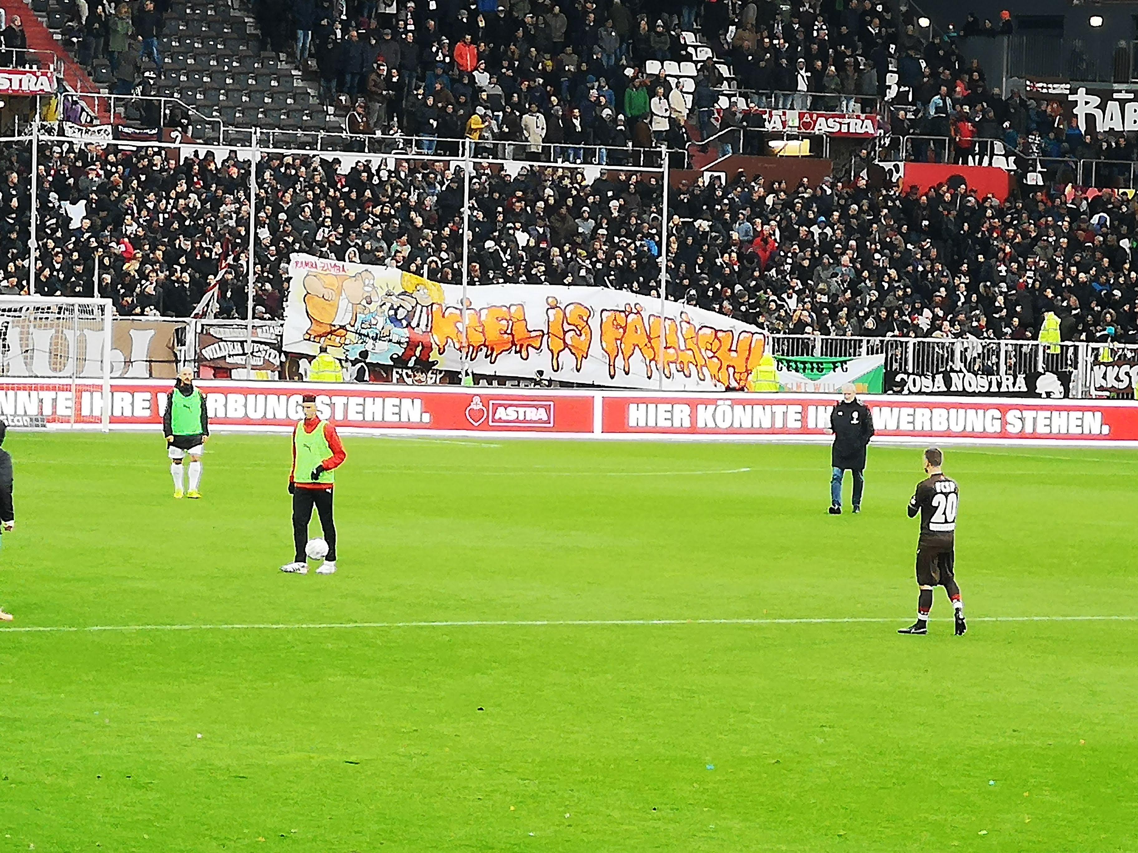 Millerntor.Hamburg: Nicht die hellsten Matrosen